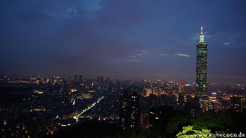 KuneCoco • Elephant Mountain, Taipei Taiwan • Taipei bei Nacht